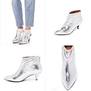 Jeffrey Campbell Shoes - NWOT⭐️JEFFERY CAMPELL silver booties sz9.
